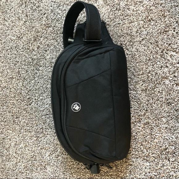 Pacsafe Handbags - Pack safe hip travel bag